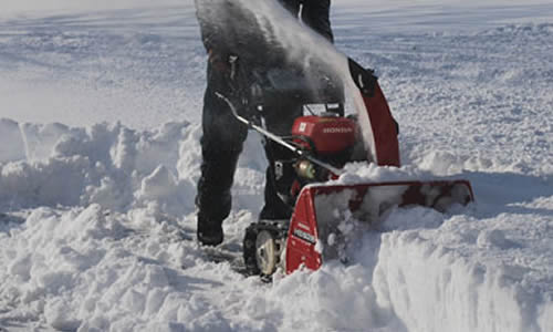 Snow Blowing Services Services for Homes and Businesses near me Green Bay Wisconsin